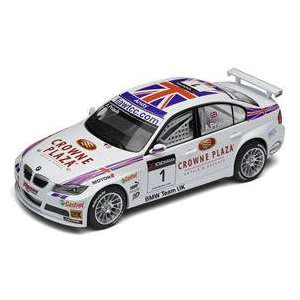 Scalextric  BMW 320si WTCC, Crowne Plaza (Slot Cars