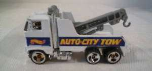 HOT WHEELS MATTEL, INC 1981 AUTO CITY TOW TRUCK