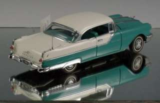 Franklin Mint Die cast car 1955 Pontiac Starchief
