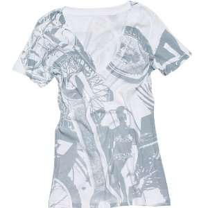 Avenger Womens Vneck Sportswear Shirt   White / Small Automotive