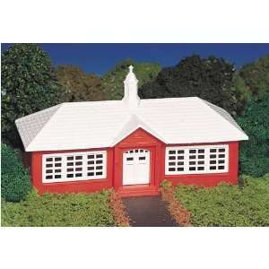 School House Plasticville USA Building Kit Toys & Games
