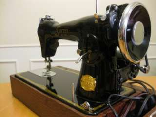 VINTAGE SEWTEX DELUXE SEWING MACHINE MADE BY PRECISION JAPAN