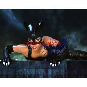 Halle Berry SUPER sexy signed CAT WOMAN meoww PHOTO